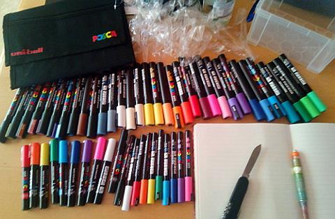 sockenzombie - posca marker - auspacken - taschenmesser